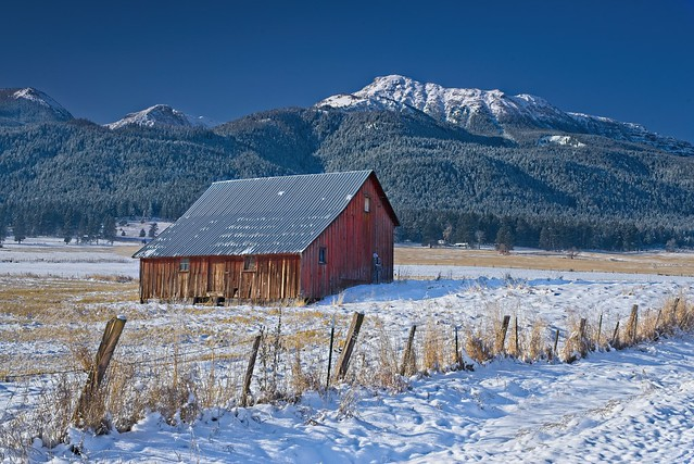 Barn Winter Mountains 8280 A