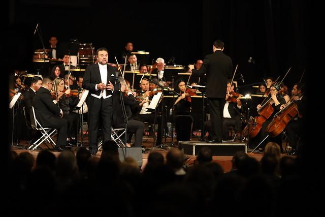FAOT 2020 Ramón Vargas, tenor, Medalla Alfonso Ortiz Tirado 2020 Orquesta Filarmónica de Sonora (OFS); Iván López Reynoso, Director invitado