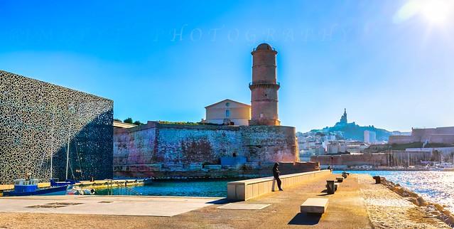 le MUCEM, le Fort Saint Jean et Notre-Dame-de-la-Garde Fort Saint-Jean is an integral part of Mucem. -1L8A8341