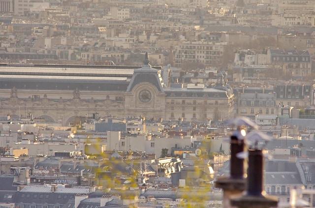 131 Paris Janvier 2020 - les toits de Paris depuis la Butte Montmartre, la Gare d'Orsay