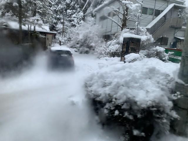箱根・バスの車窓より雪景色