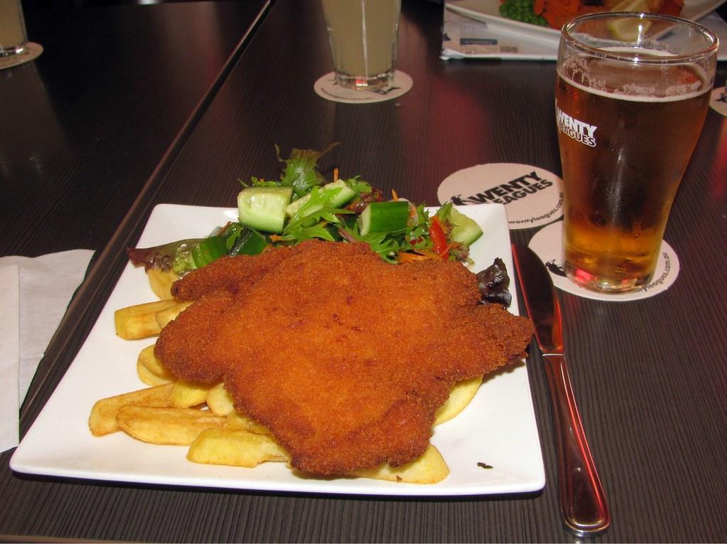 Chicken Snitzel, Wentys, Wentworthville, Sydney, NSW.
