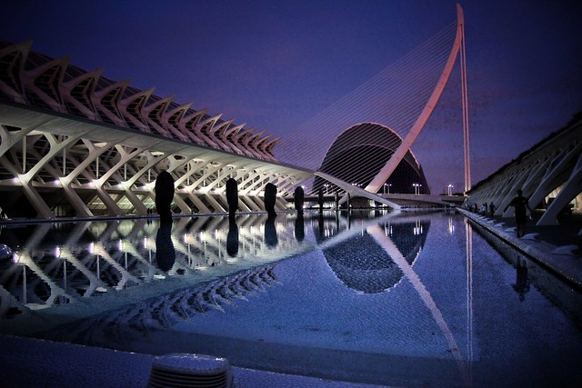 Espejo nocturno//Night mirror (Valencia, Spain)