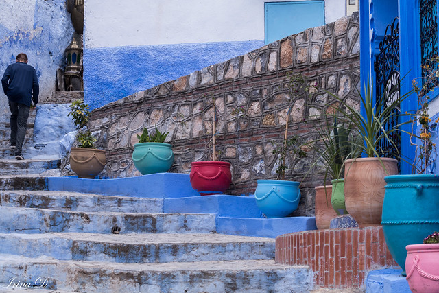 Exploring the narrow streets of Chefchaouen