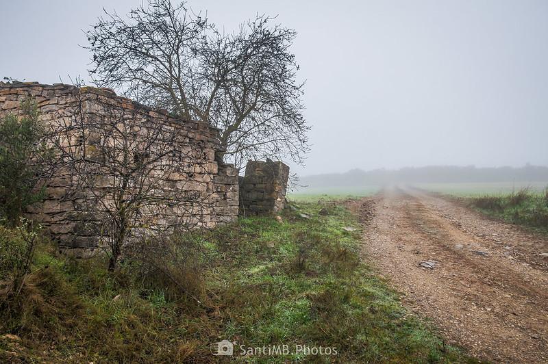 Cabaña de piedra en el límite con Guimerà