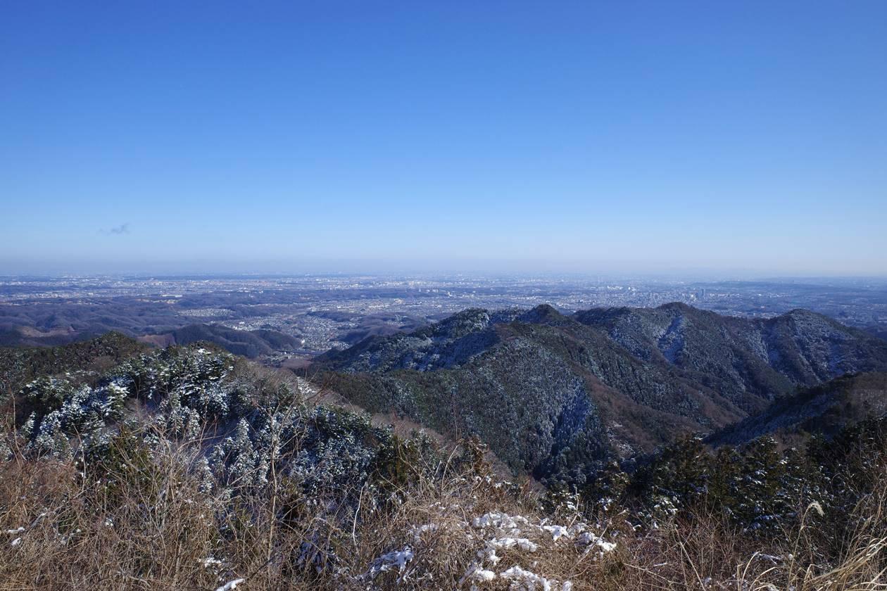 景信山山頂から東京都心の展望