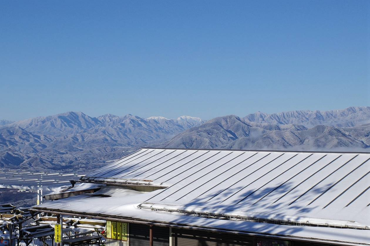 冬の陣馬山山頂から眺める南アルプス(赤石岳~悪沢岳)