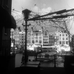 Amsterdam Damrak from Guldehandsteeg