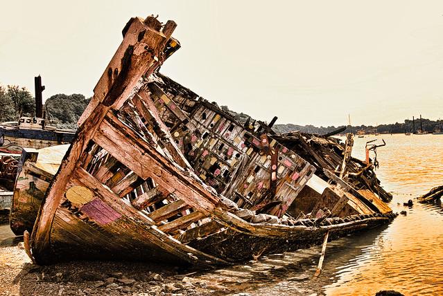 Epave de bateau, Quelmer, Bretagne.