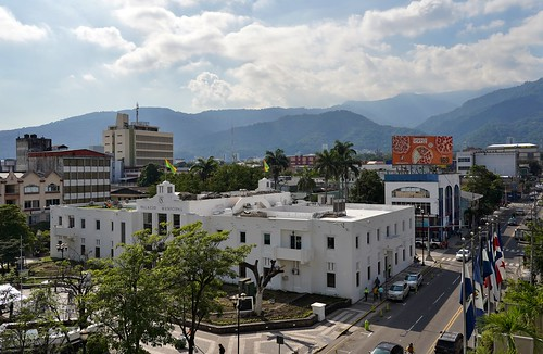 parquecentral plaza palaciomunicipal cityhall artdeco sanpedrosula honduras alcaldia cortésdepartment departamentodecortés cortés