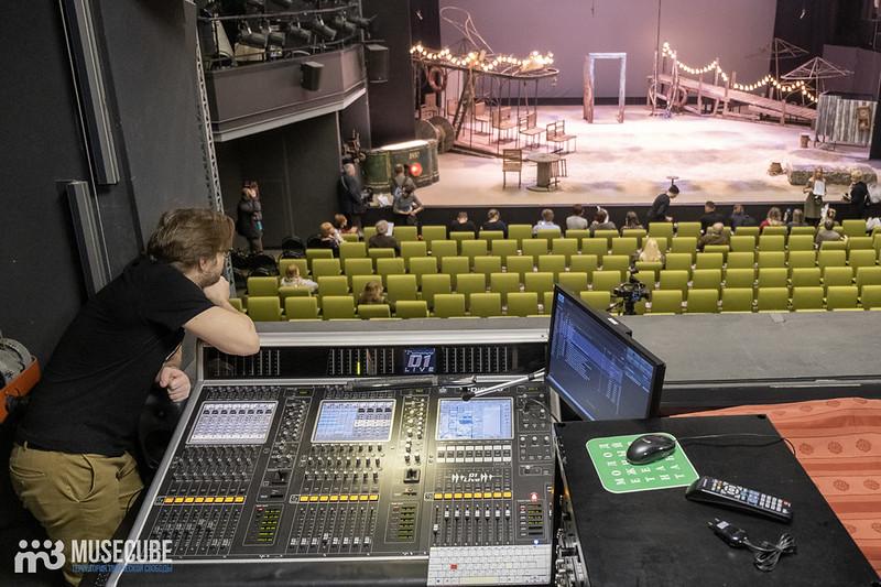 """Открытие """"Почты ангела"""" в Измайловском саду и пресс-тур по Молодежному театру на Фонтанке."""