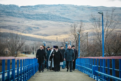 19 января 2020, В праздник Крещения Господня митрополит Кирилл освятил воды Сенгилеевского водохранилища