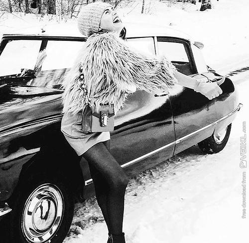 Citroen DS Girls & Cars Photo 4
