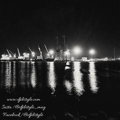 Djib by Night #6 Lieu incontournable de notre belle cité 😍😍. Vous ne pouvez que reconnaître ces lumières !!! . . . #travelphotography #travel #Djibouti #nightlife #Night #whereisthisplace #Eastafrica #Africa #Djibstyle_mag #Ballade #