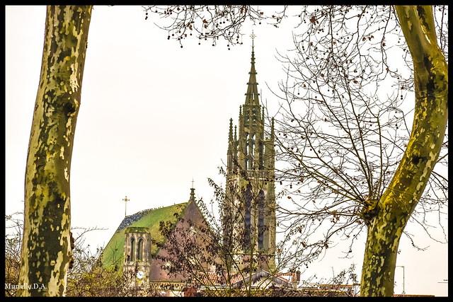 Église Saint-Hilaire.
