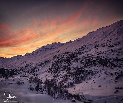 obergurgl austria sunset landscape mountains snow alps dusk hills winter trees cirrus