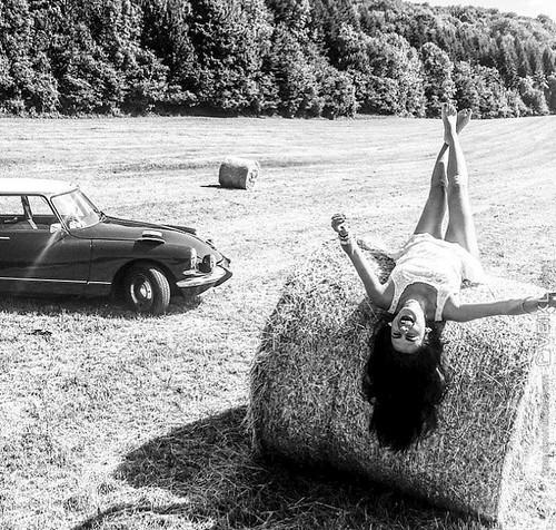 Citroen DS Girls & Cars Photo 5