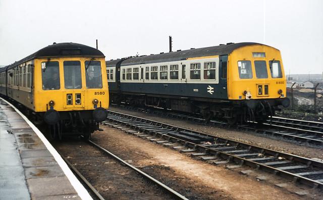 Class 119 / 101 DMUs @ Swindon, 23/01/1977 [slide 7754]
