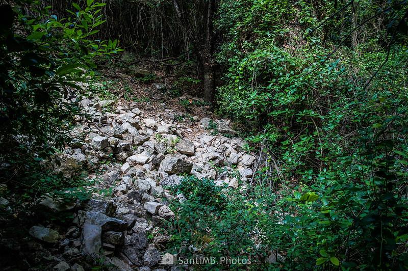 Desprendimiento de rocas en el camino de les Gorges del Foix