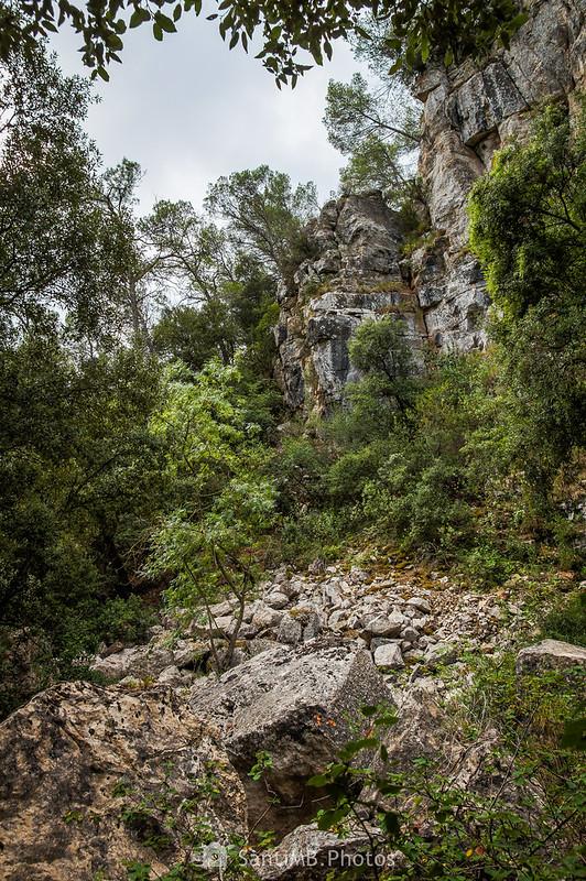 Risco junto al camino de les Gorges del Foix