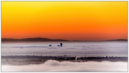 manchester mist lancashire ramsbottom holcombehill nikon d850 muddyboots landscape sunrise city fog cloud centreoftheuniverse north grimupnorth northern