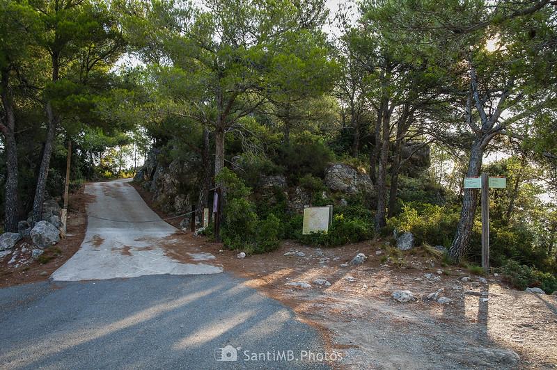 Camino al Santuari de Foix desde el aparcamiento