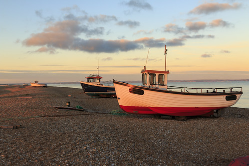 dungeness kent pebble beach fishing boat sun set sunset