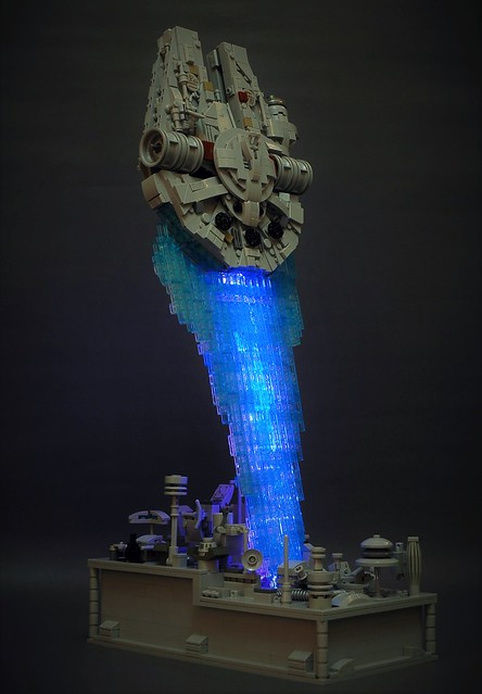 Millenium Falcon - in flight