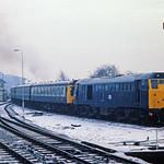 31 460 & Class 115 DMU, Aylesbury, 12-01-85