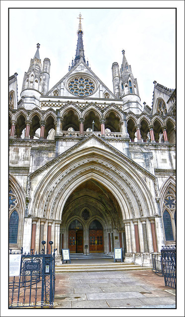 Entrance Arch, Royal Courts of Justice, Strand, Temple, London, England UK