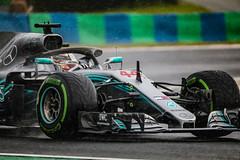 Hamilton in qualifying race