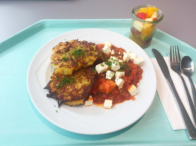 Hash browns with ratatouille & feta / Tellerrösti mit Ratatouille & Hirtenkäse