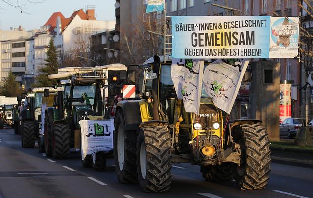 Traktoren-Demo zum Agrarministergipfel 2020