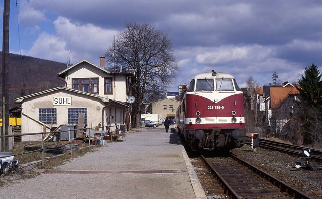 DB 228 798-5 in Suhl (D), 1997.