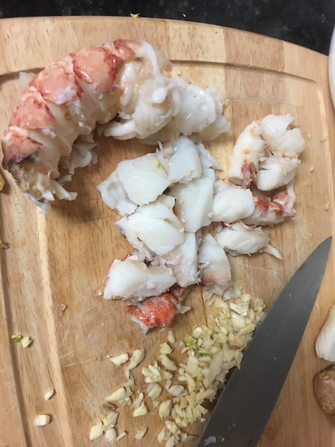 Steamed lobster, with garlic
