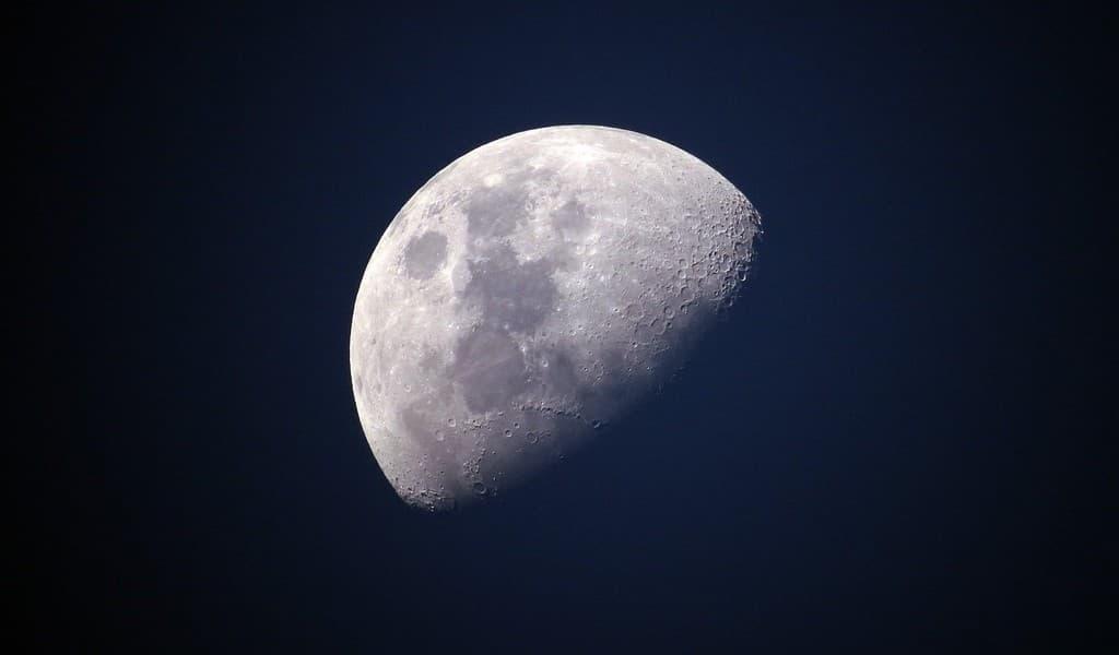 Un dispositif pour extraire l'oxygène du régolithe lunaire