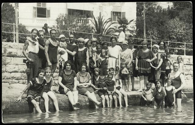 ArchivV36 Abkühlung im Sommer, 1920er