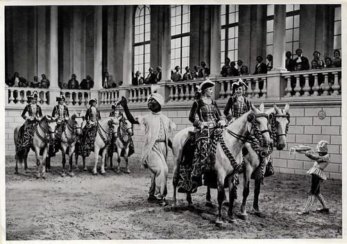 Käthe von Nagy and Lola Chlud in Der junge Baron Neuhaus (1934)