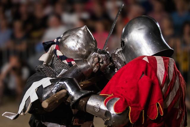 Mittelalterliche Soldaten beim Kämpfen