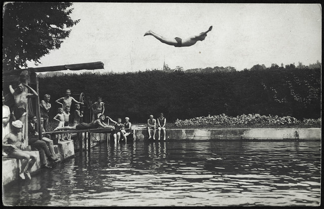 ArchivV35 Badeanstalt, Turmspringer, 1920er