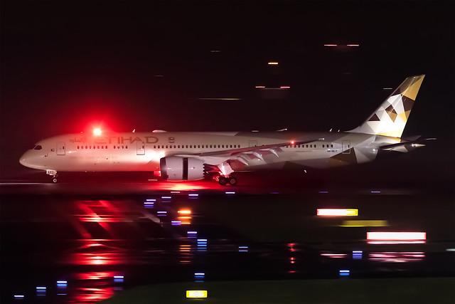 A6-BLY Etihad Airways Boeing 787-9 Dreamliner