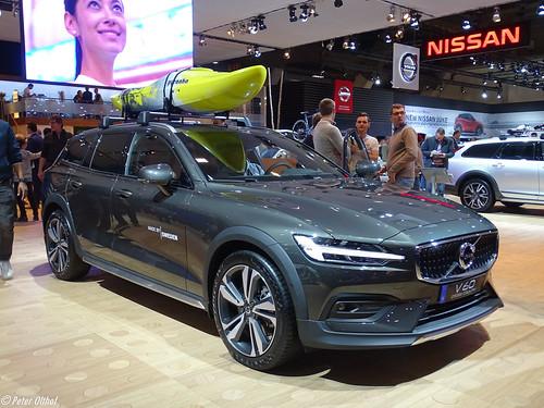 2020 Volvo V60 Cross Country Photo
