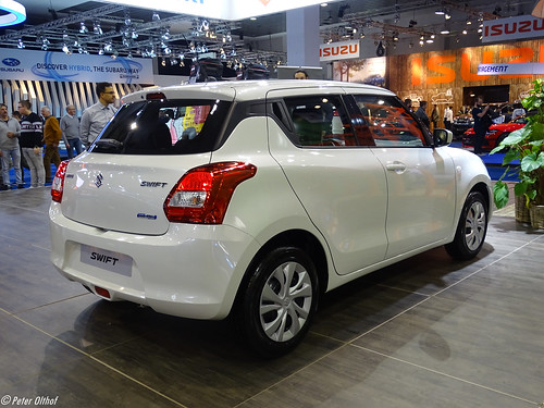 2020 Suzuki Swift Hybrid Photo