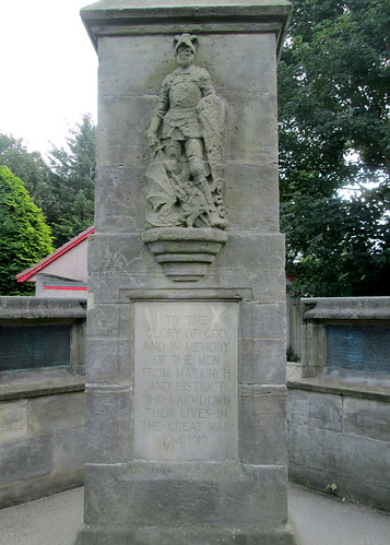 Markinch War Memorial, Great War  Dedication and St George.