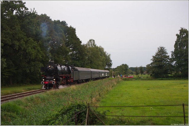 SSN 01 1075 + Bm rijtuigen, Loenen