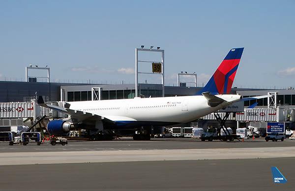 Delta A330-300 JFK (RD)