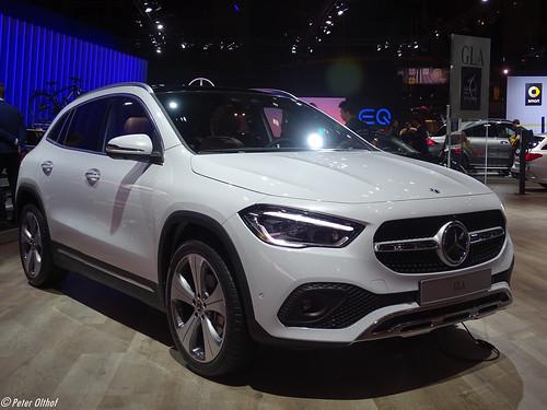 2020 Mercedes-Benz GLA Photo
