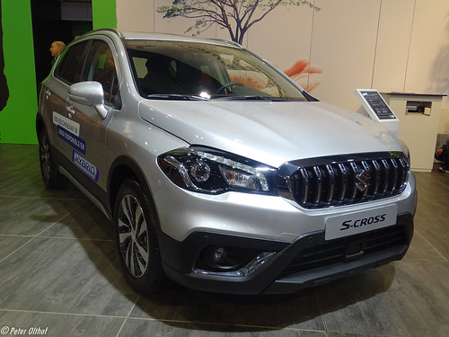 2020 Suzuki S-Cross Hybrid Photo