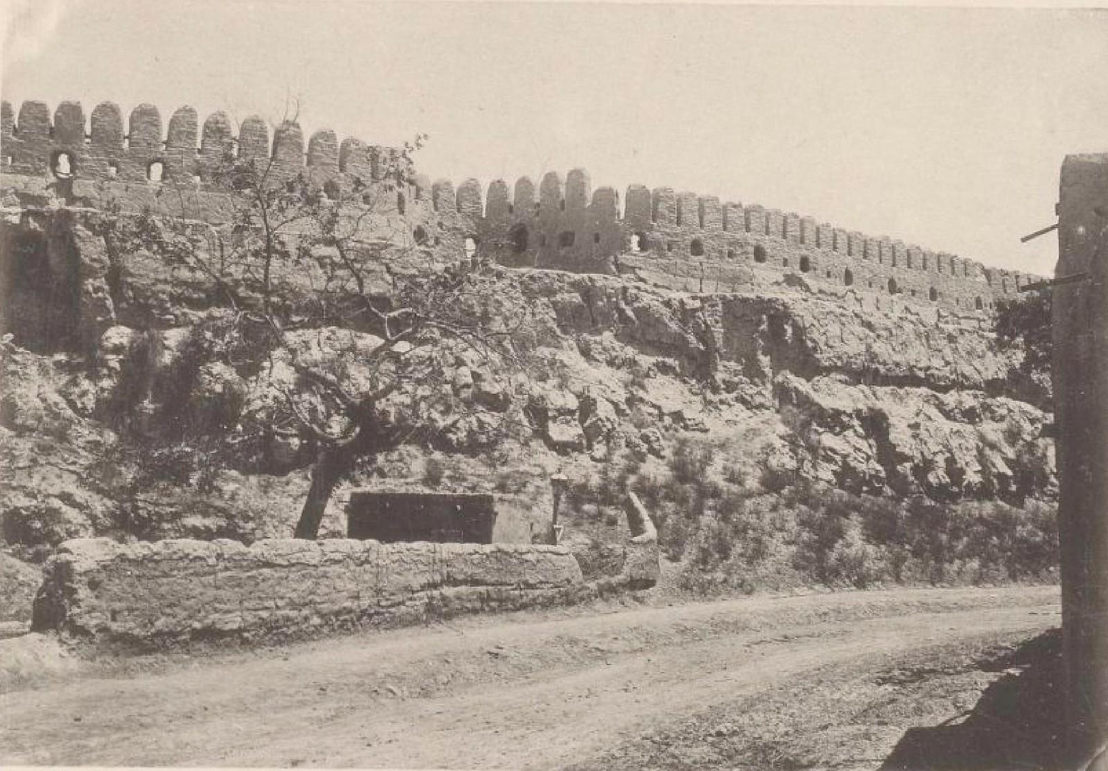 05. Бухара. Городская стена, вид изнутри, 20 мая 1898