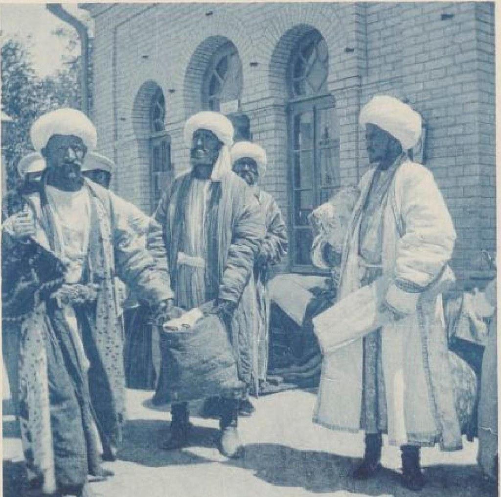 04. На вокзале Бухары. 19 мая 1898